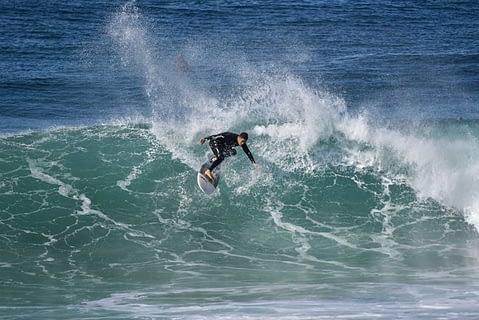 sth narrabeen surfing