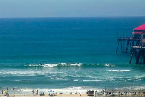 Huntington Beach surfline pic