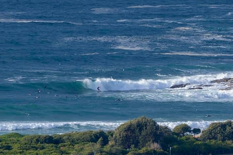 Bomb set wave Dee Why point